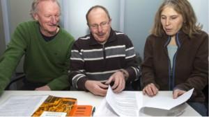 Als Vertreter der GEW fordern (v.l.) Bernd Glüsenkamp, Ulrich Bösch und Astrid Müller eine vierte Gesamtschule für Osnabrück. Foto: Jörn Martens